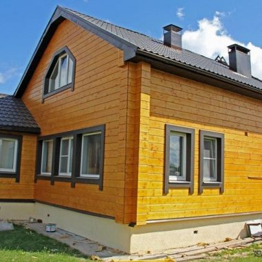 Домовете с екстериор от дърво са любими сред собствениците на жилища.